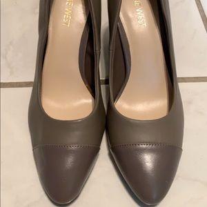 NWT Nine West Grey Heels